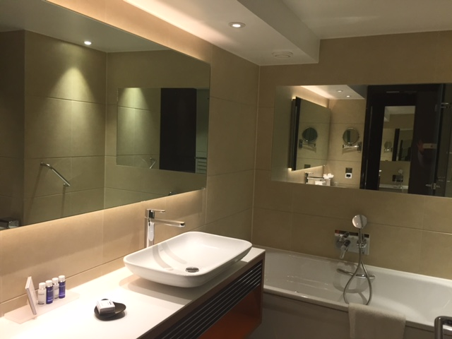 bathroom park plaza westminster review
