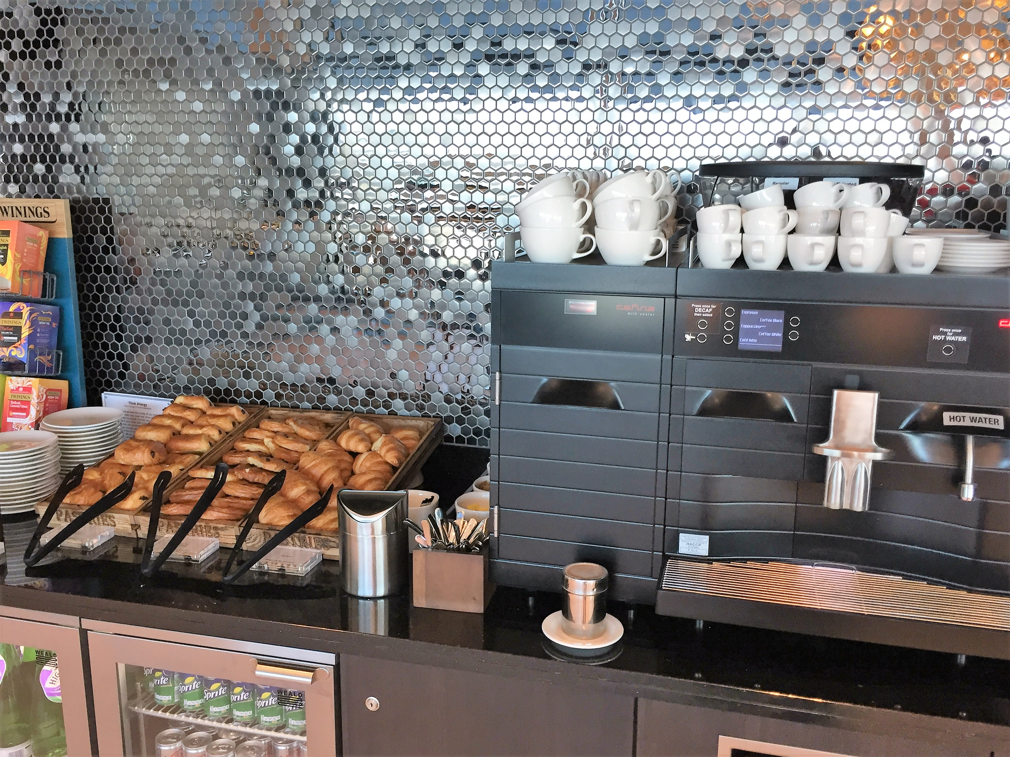 BA Gatwick South First lounge review