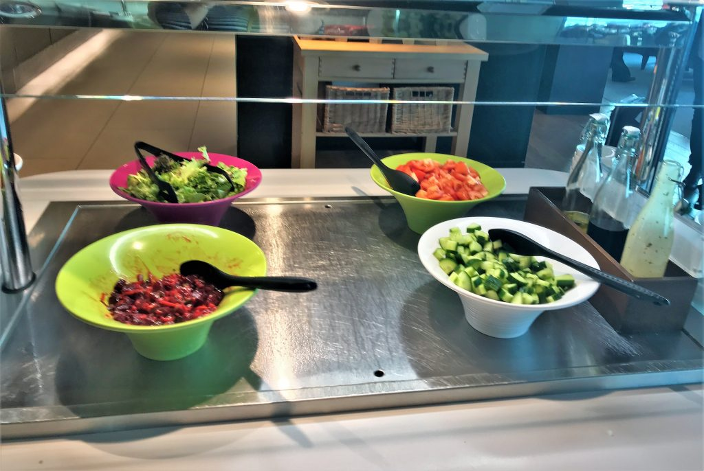 BA Gatwick lounge review salad bar