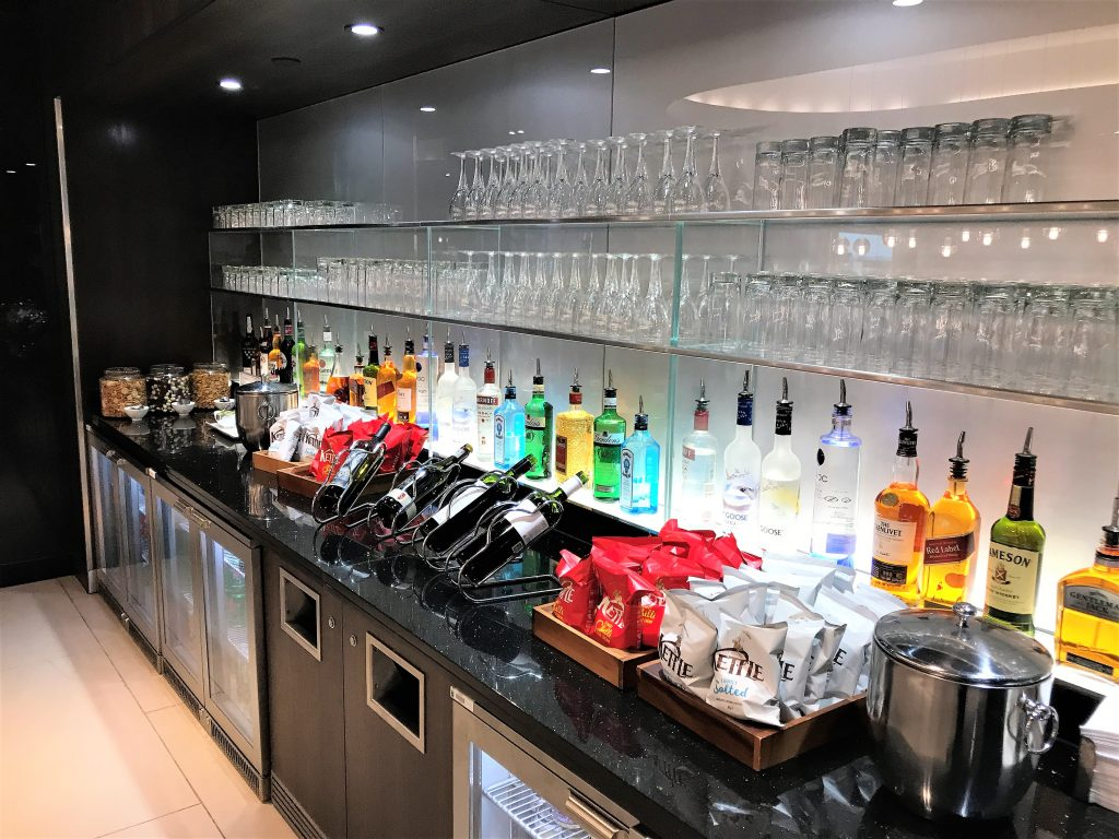 BA Gatwick South new Club lounge review drinks
