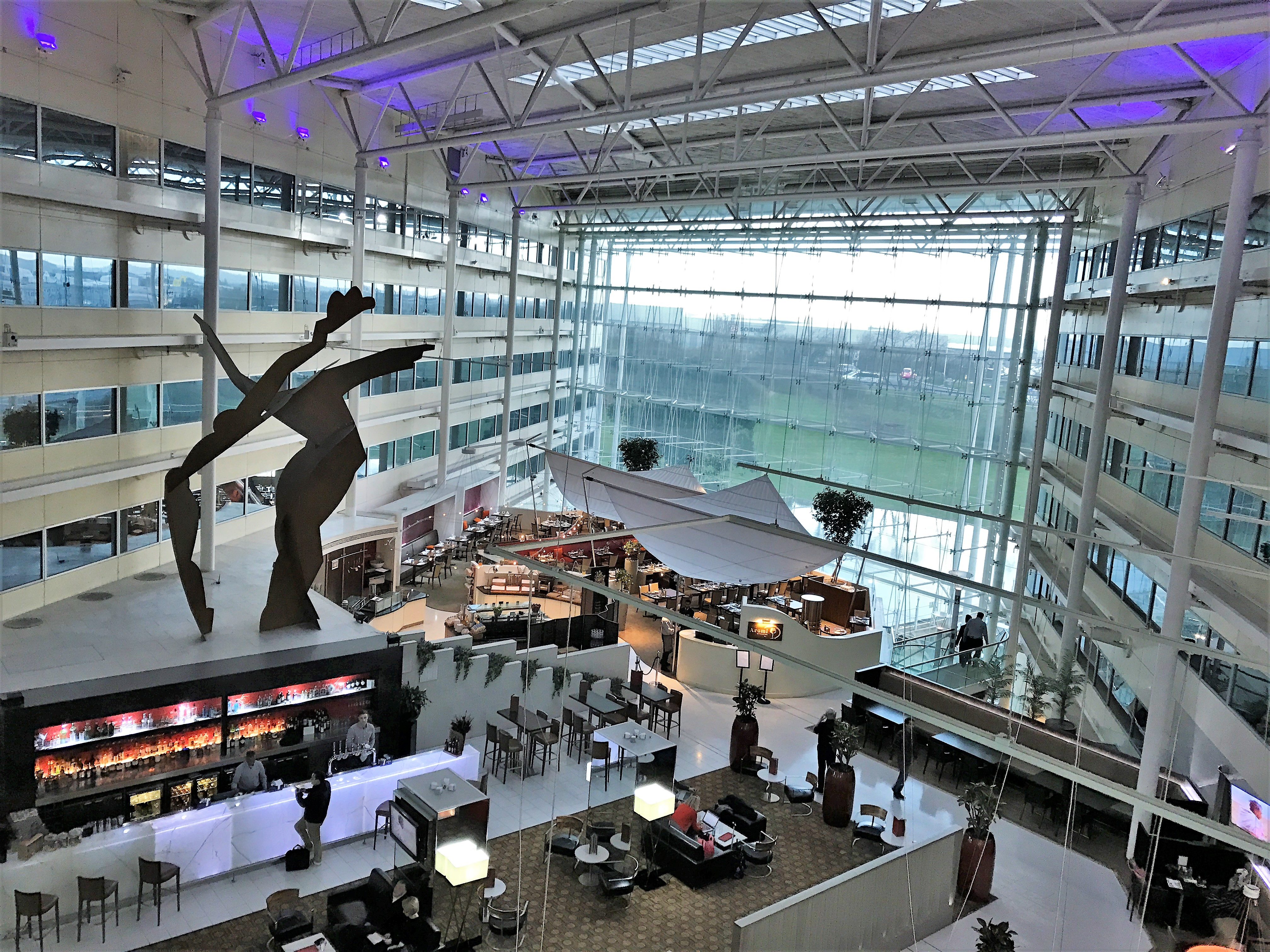 Where To Stay At Heathrow Part 1 Hilton Heathrow