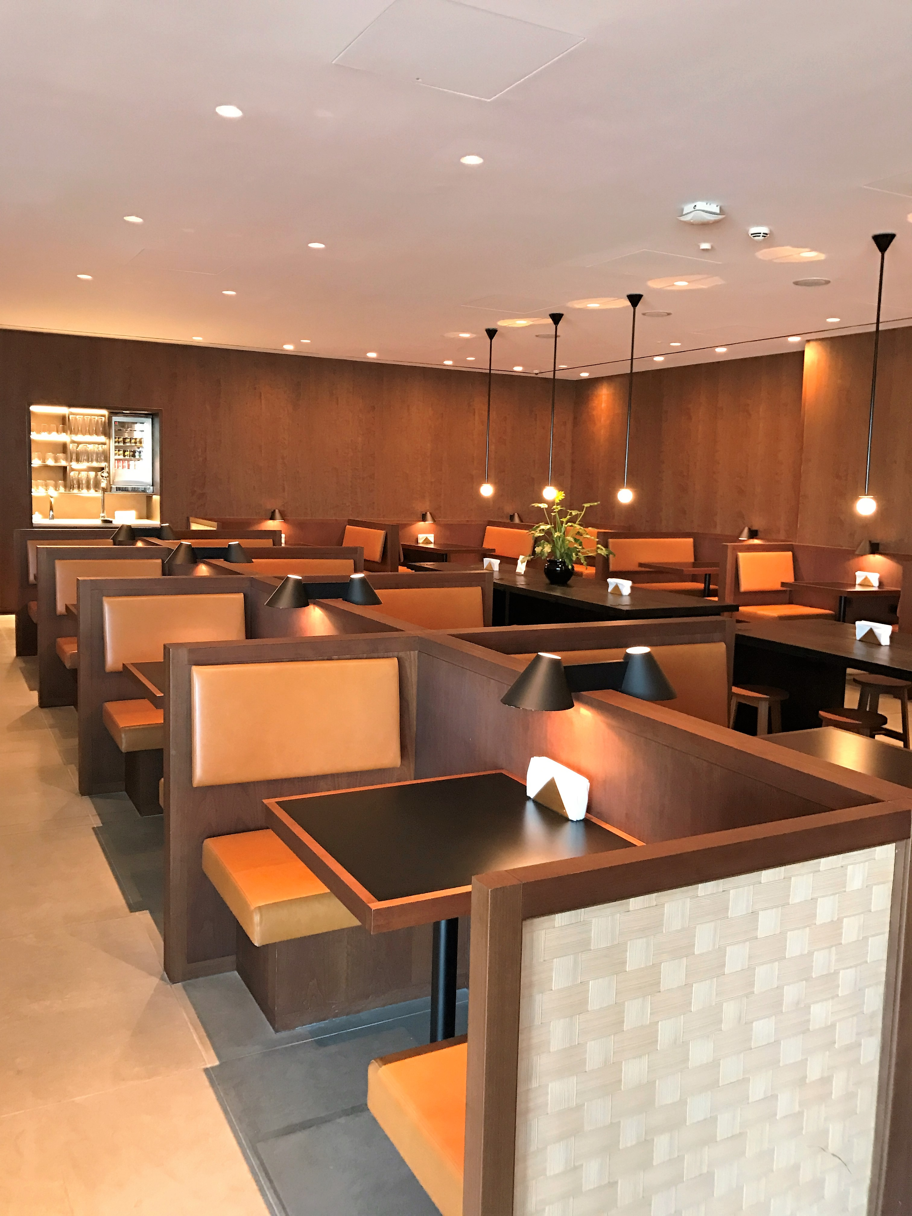 Cathay Pacific business class lounge heathrow review