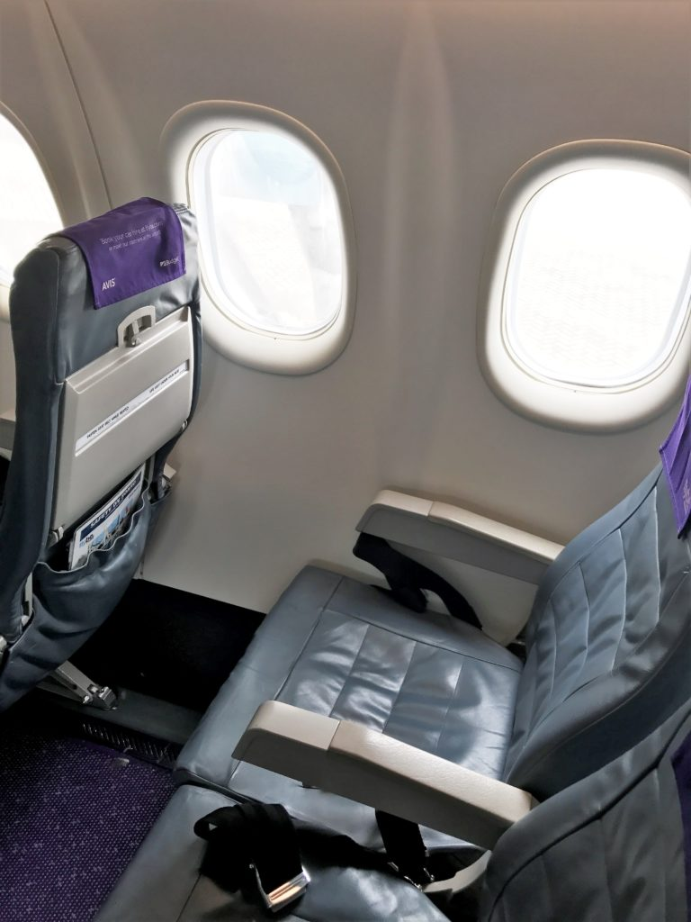 Flybe DH8 review