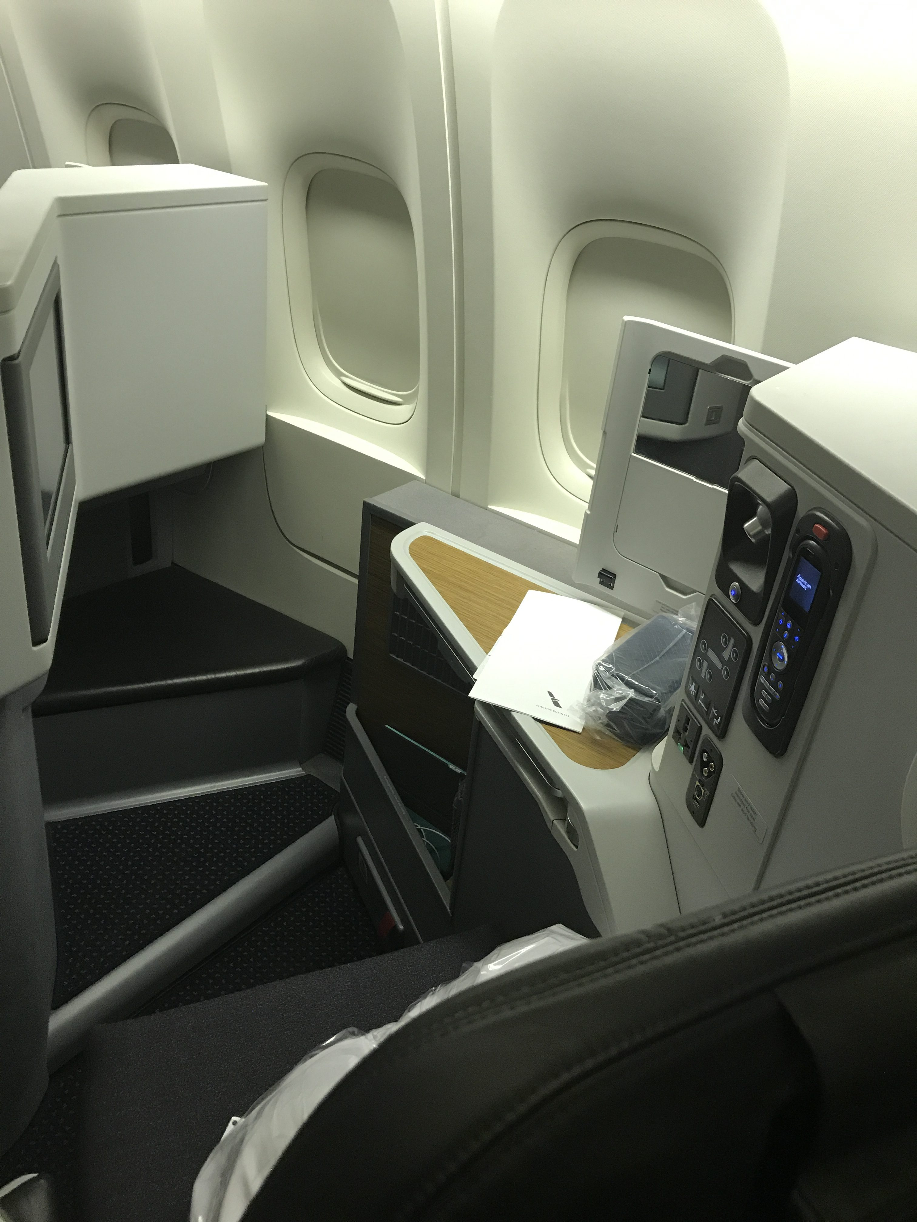 American Airlines B777-300ER business class review - Turning