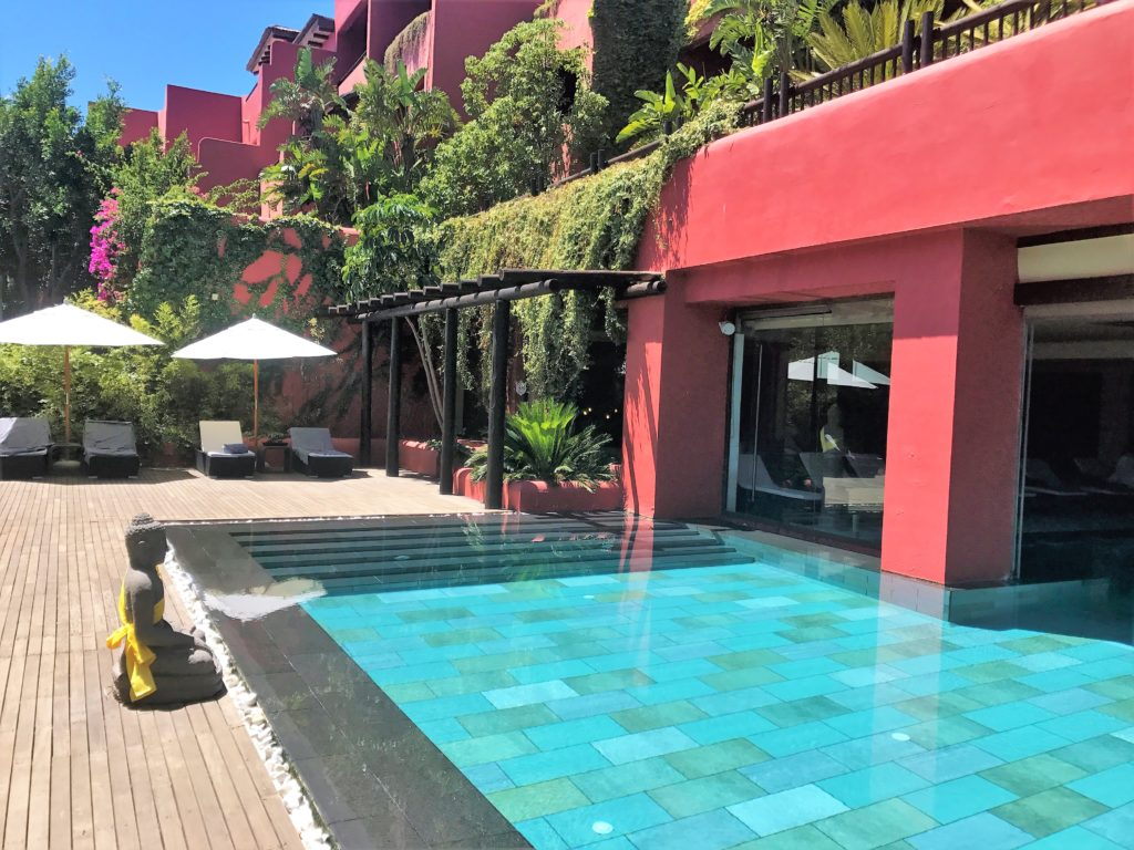 Barcelo Asia Gardens Hotel review