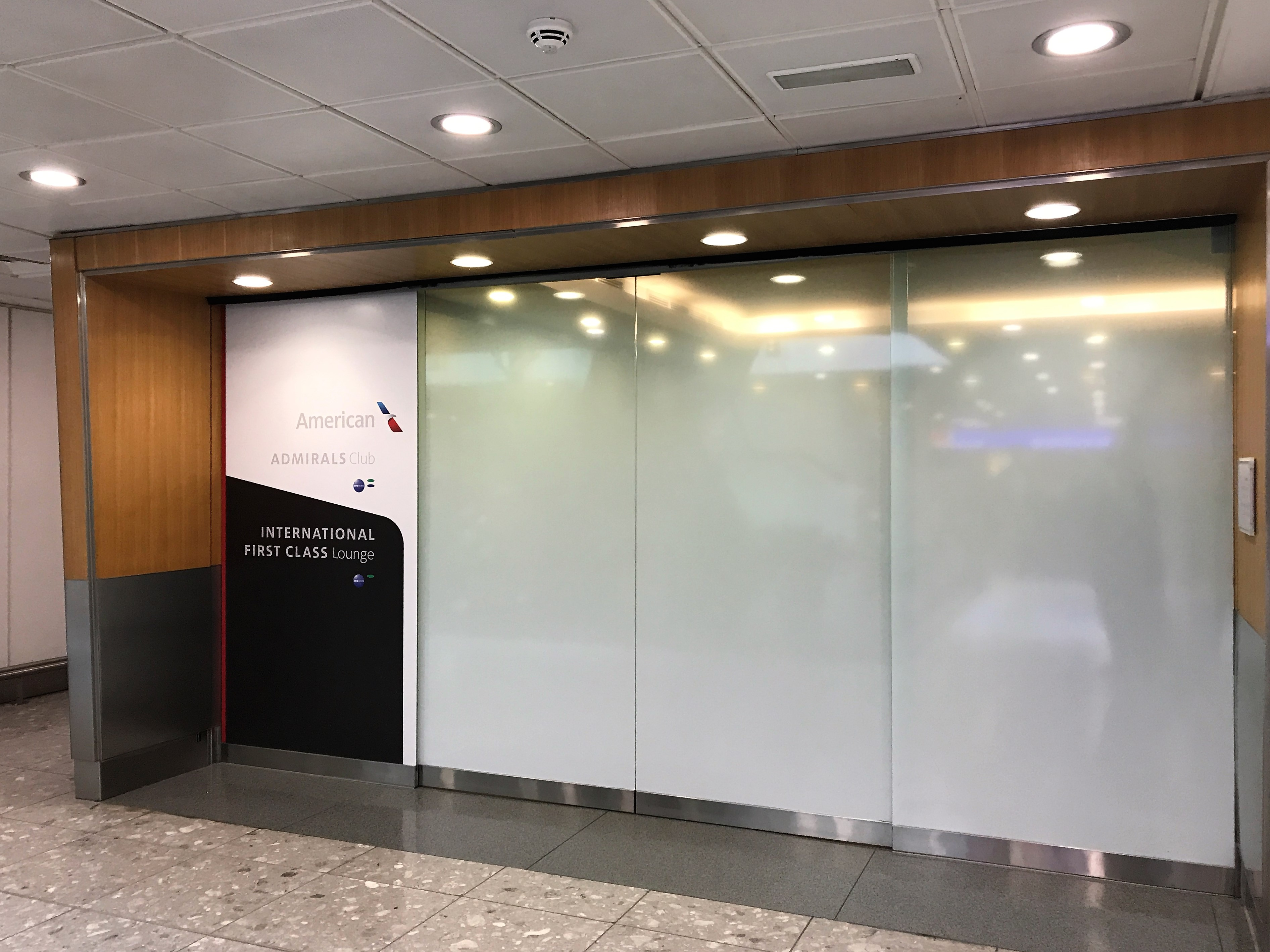 American Airlines First & Business lounges London Heathrow