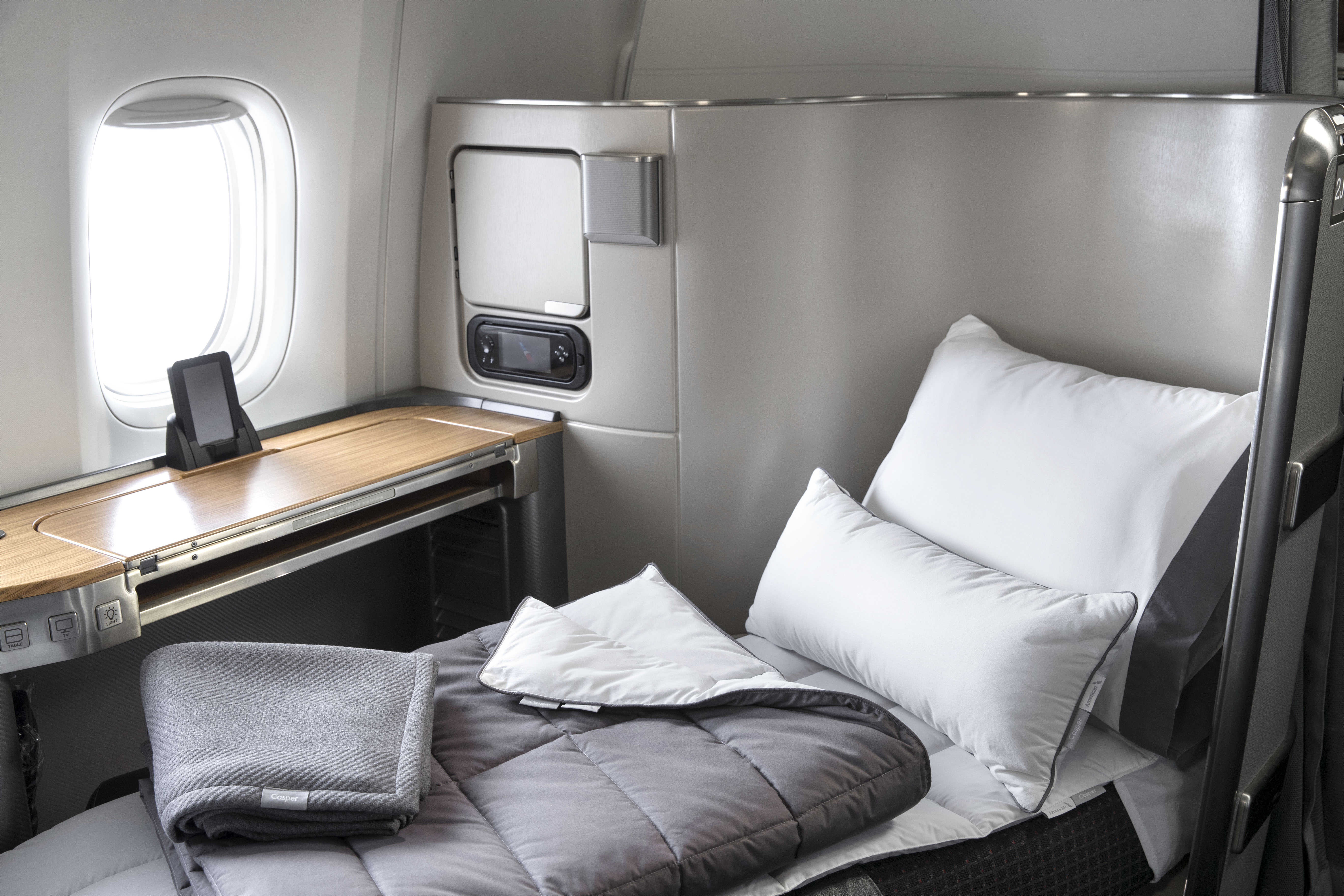 American Airlines Casper bedding