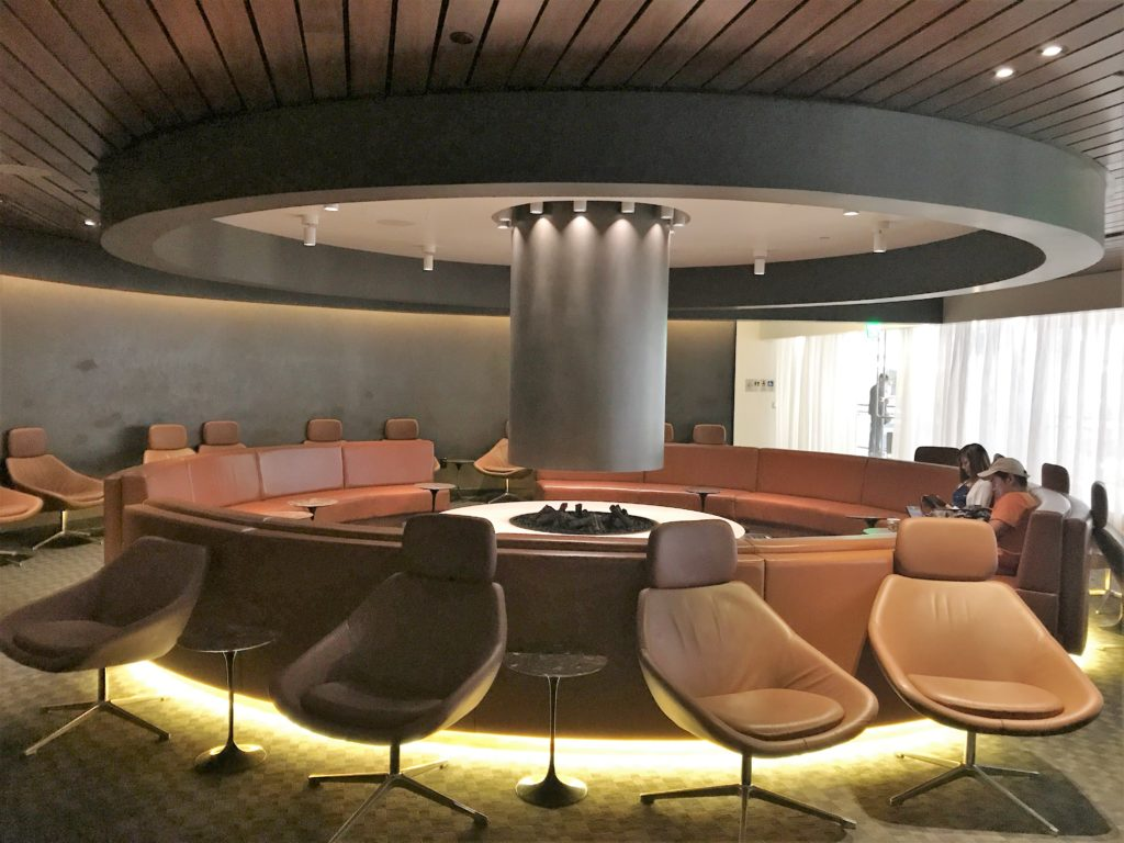oneworld business lounge los angeles review