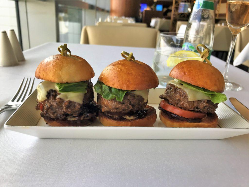 Etiahd First class Abu Dhabi lounge review