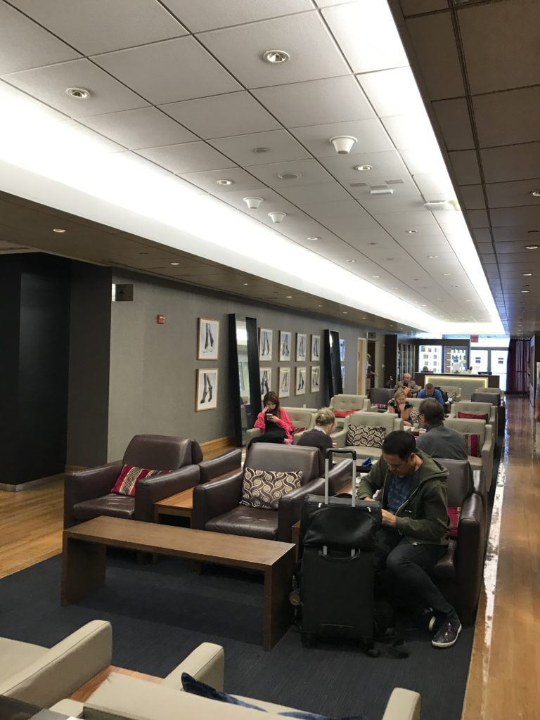 New York JFK Galleries Club lounge