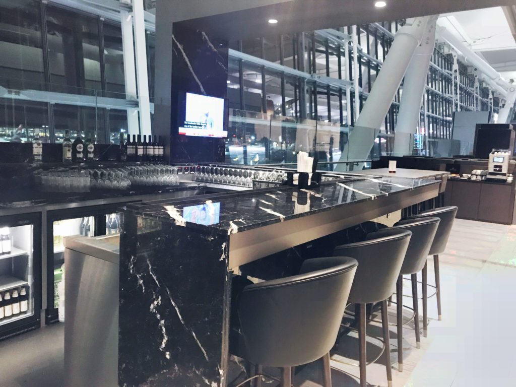 Plaza Premium lounge Heathrow Terminal 5 review bar