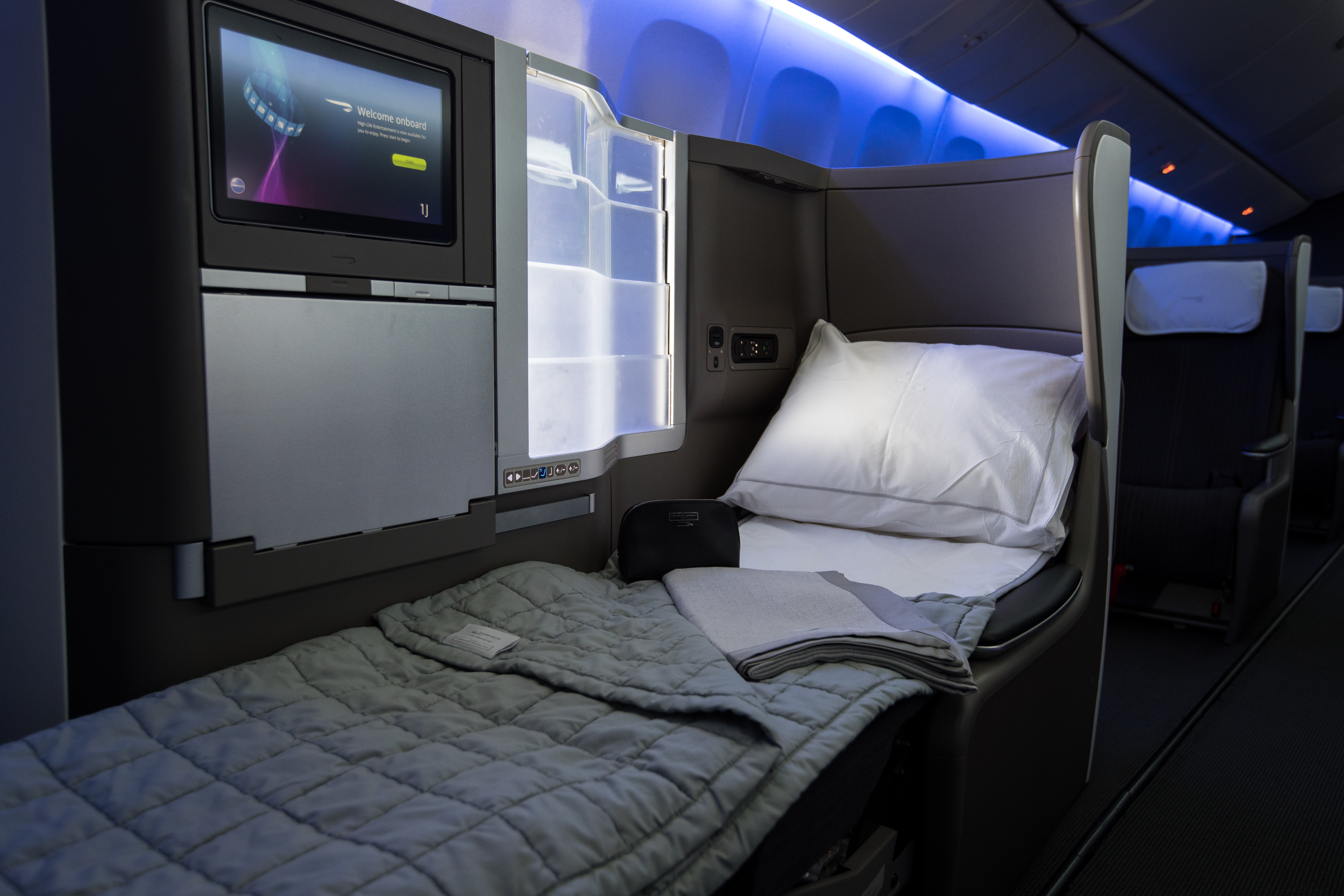 BA Gatwick new B777 club world seat with bedding