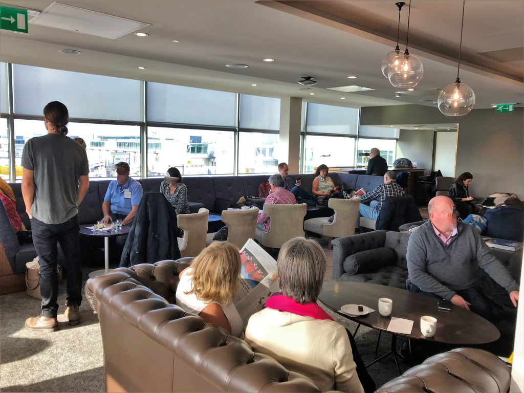 No 1 lounge Gatwick South review busy lounge