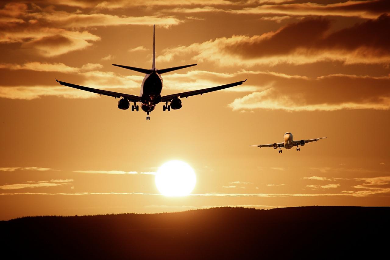 airport planes aircraft landing