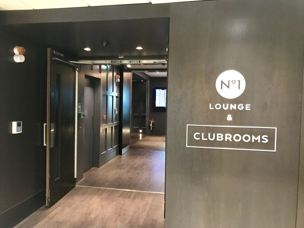Clubrooms lounge Gatwick south review