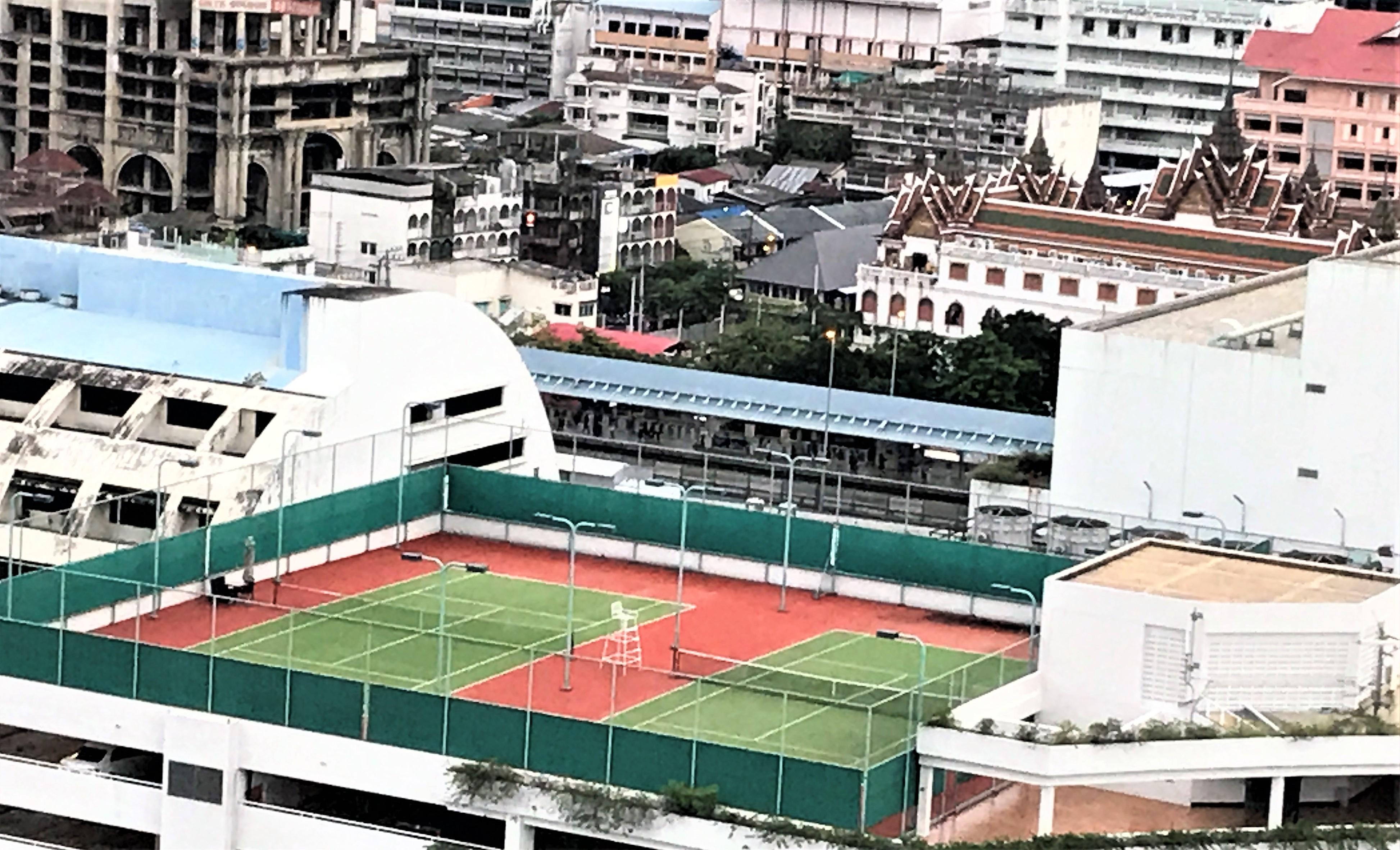 Shangri-La Bangkok review tennis court