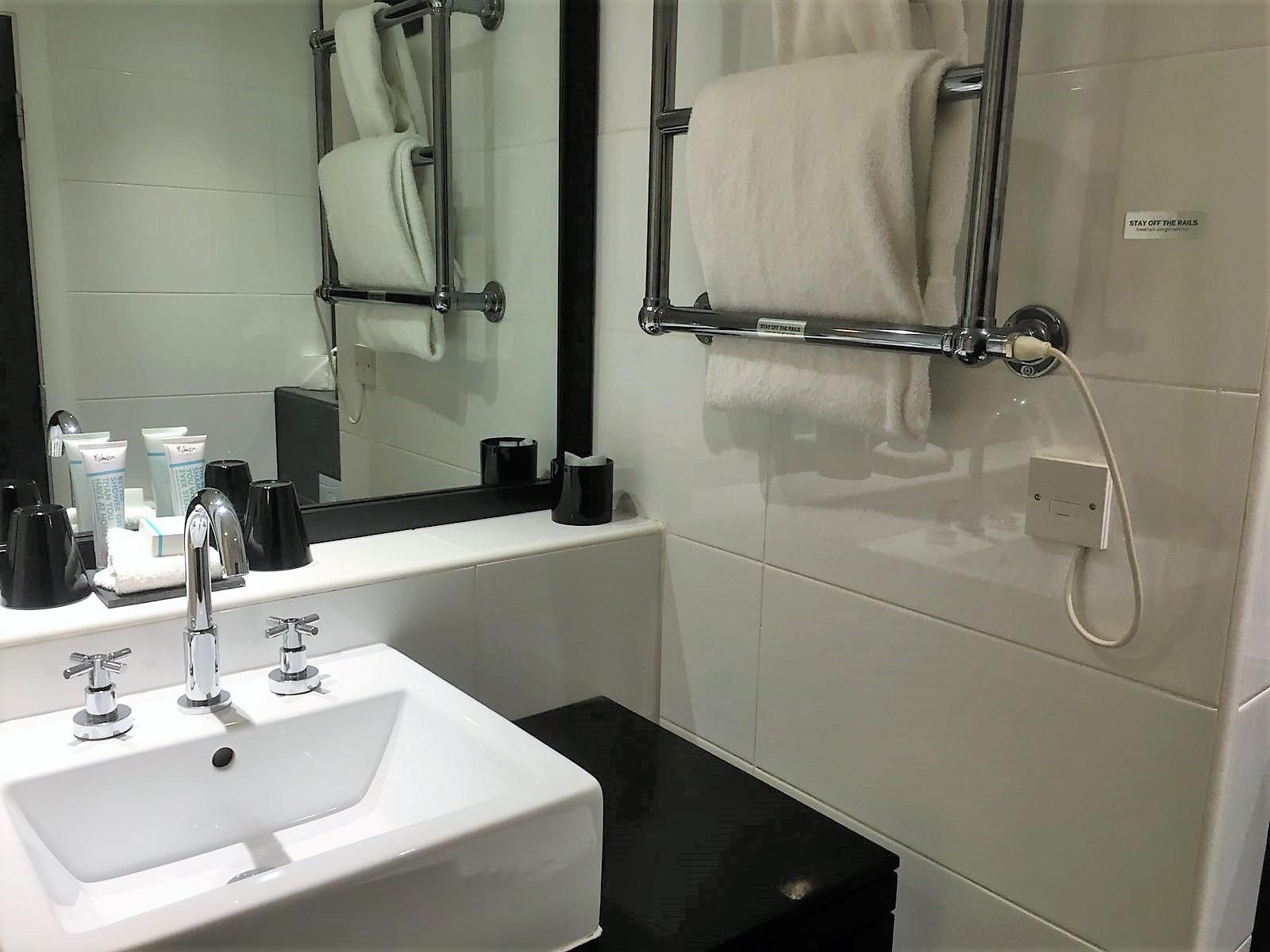 Malmaison Hotel, Glasgow review bathroom