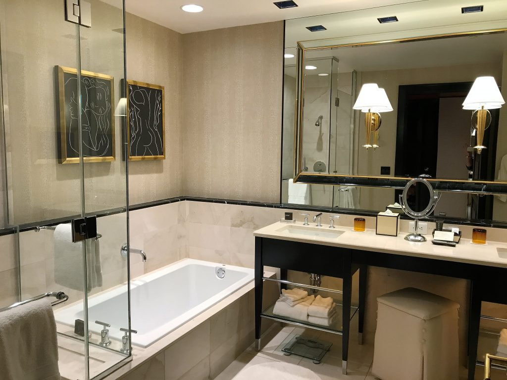 Encore by Wynn hotel Las Vegas review bathroom