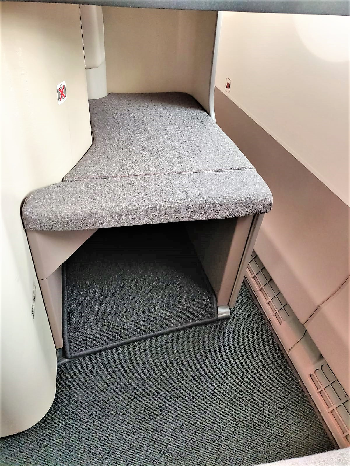 Iberia A350-900 business class review footstool