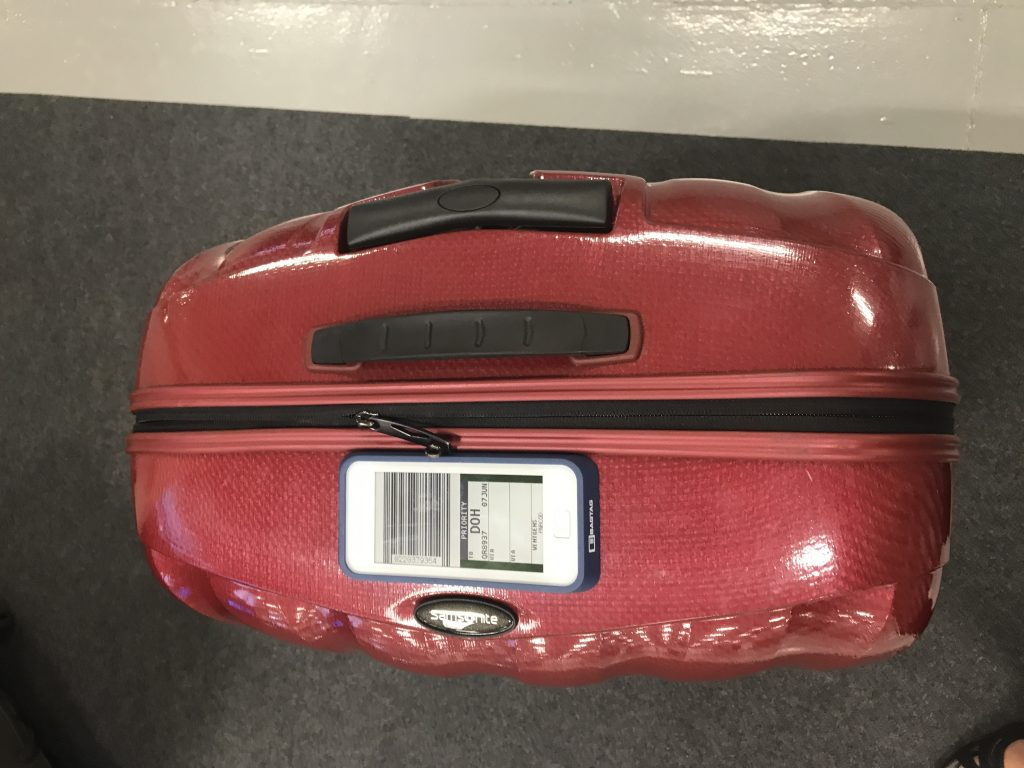 Bagtag electronic tag on a suitcase