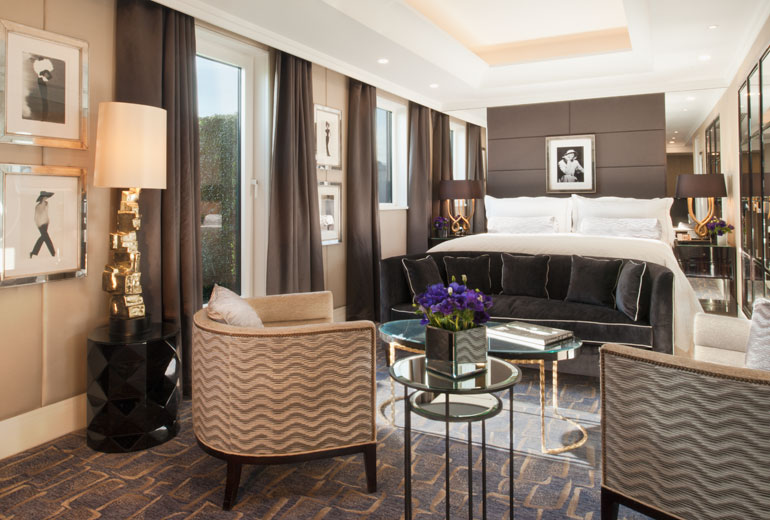 Book Stays For Nearly 50% Discount in Marriott SPG Merger Wellesley Hotel Room
