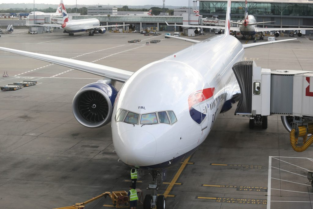 BA B777-300 at jetty