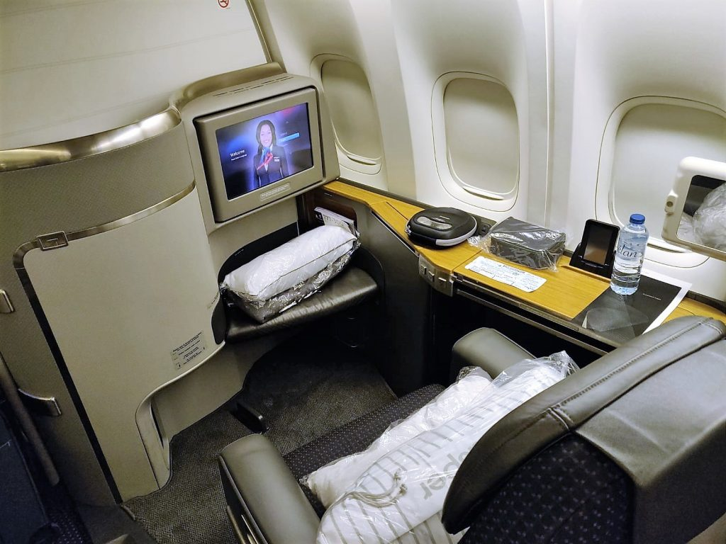 American Airlines International First Class Heathrow to JFK review seat