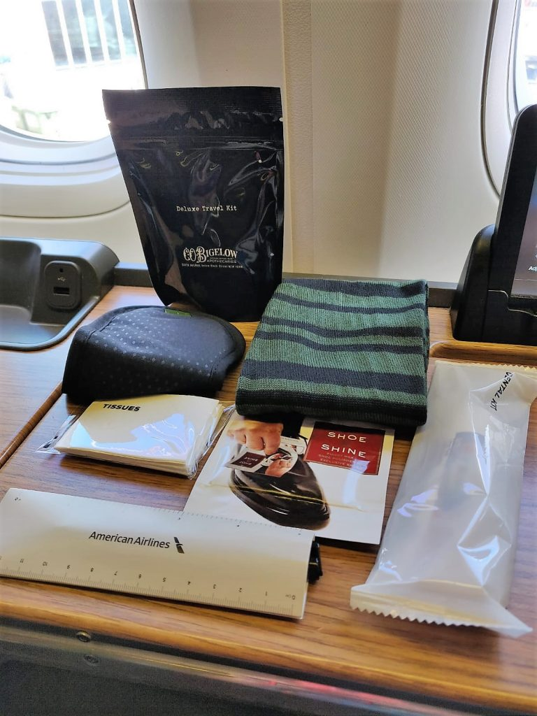 American Airlines International First Class B777-300ER amenity kit