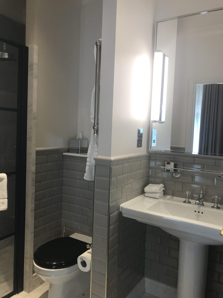 The Principal hotel, London review bathroom