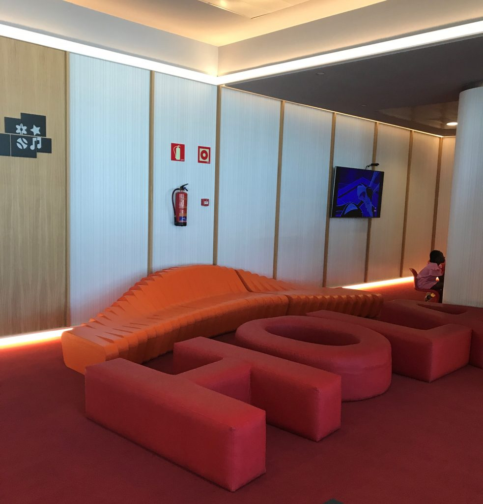 Iberia Madrid Velazquez lounge review