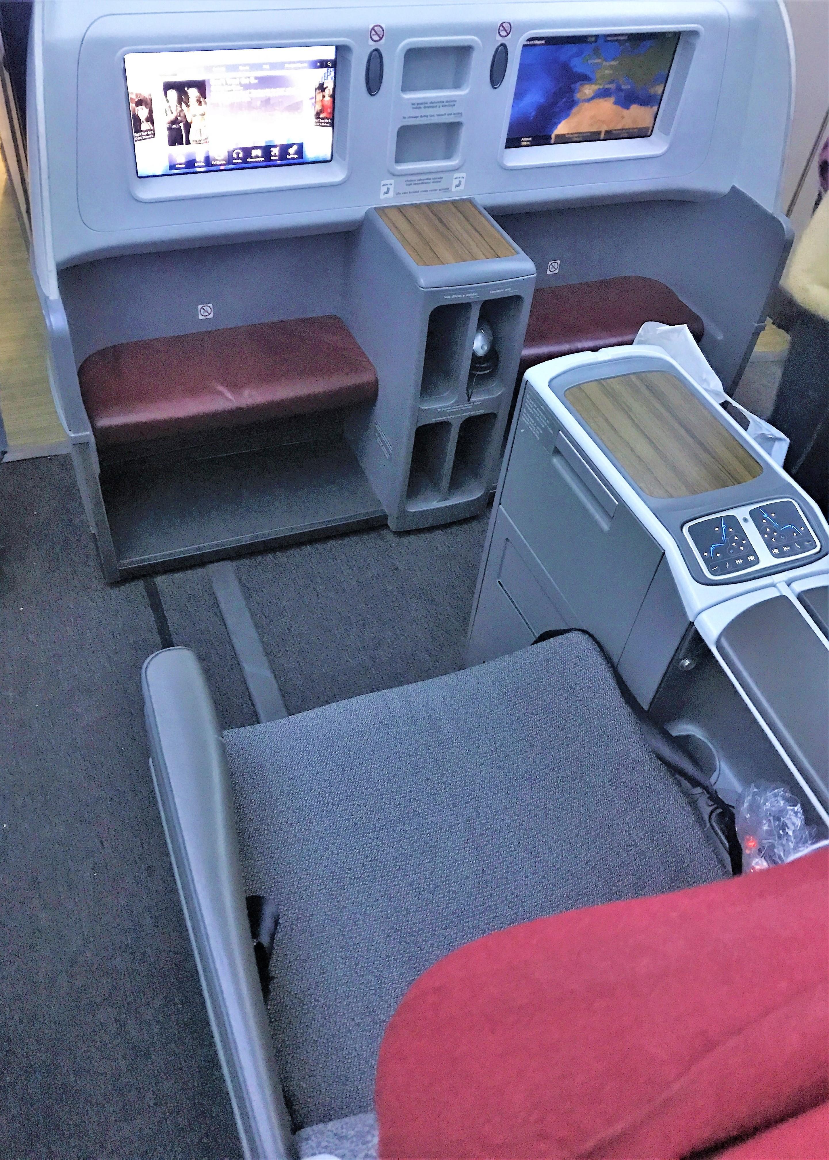 LATAM B787 business class review - Frankfurt to Madrid