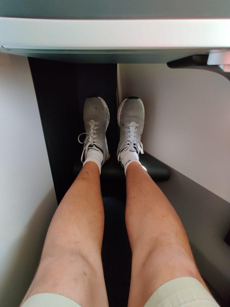 BA A350 foot cubicle