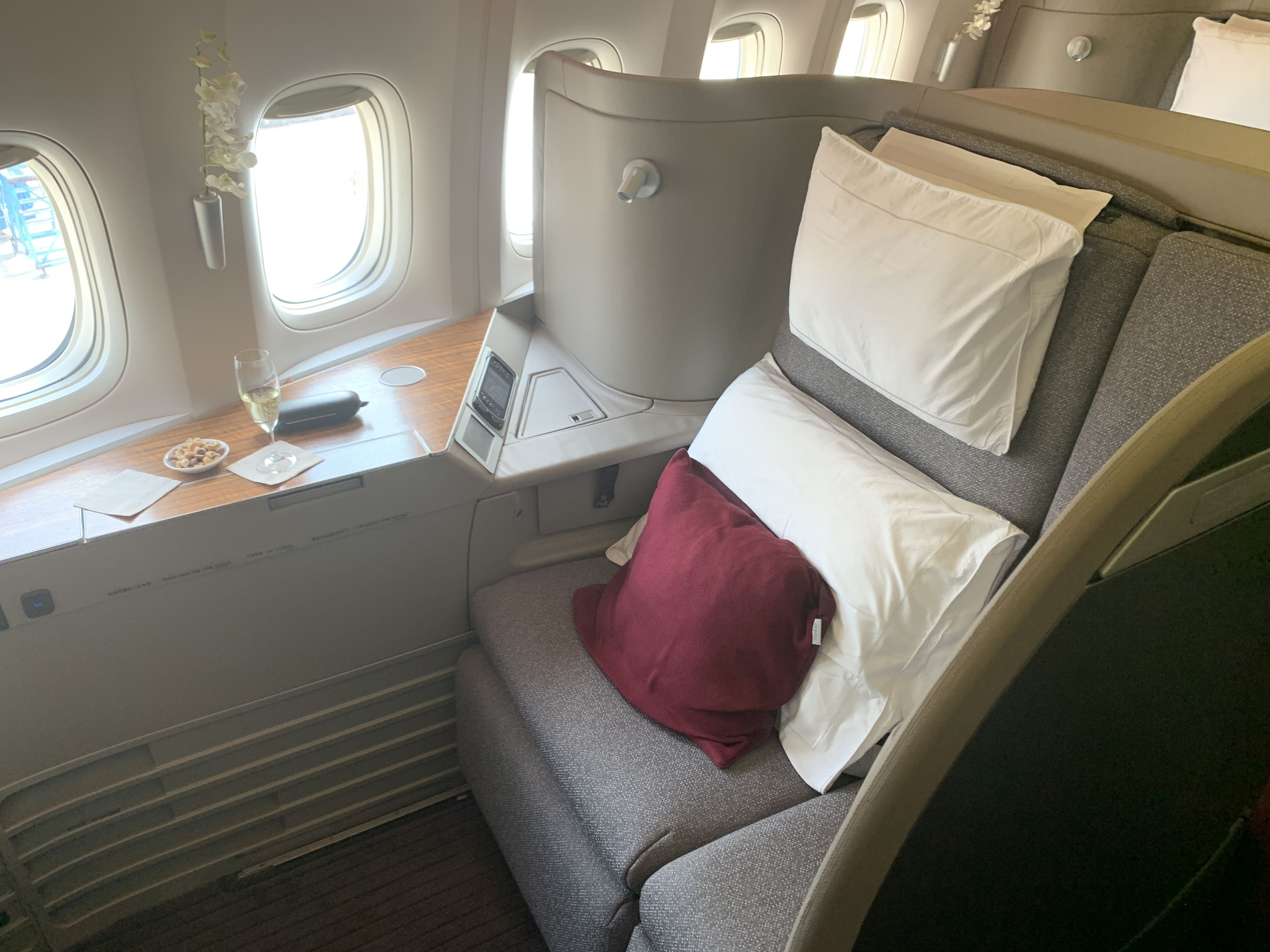 Cathay First class seat B777-300