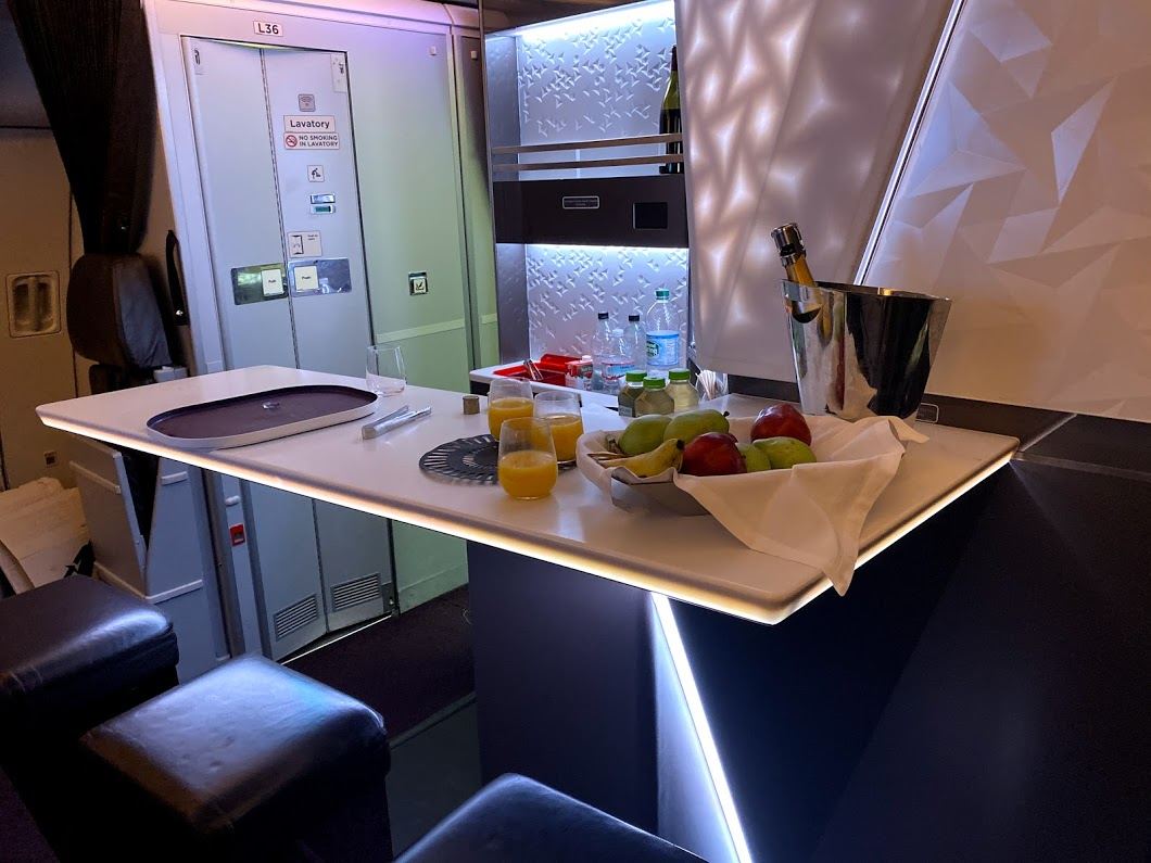 Virgin Upper Class bar A330