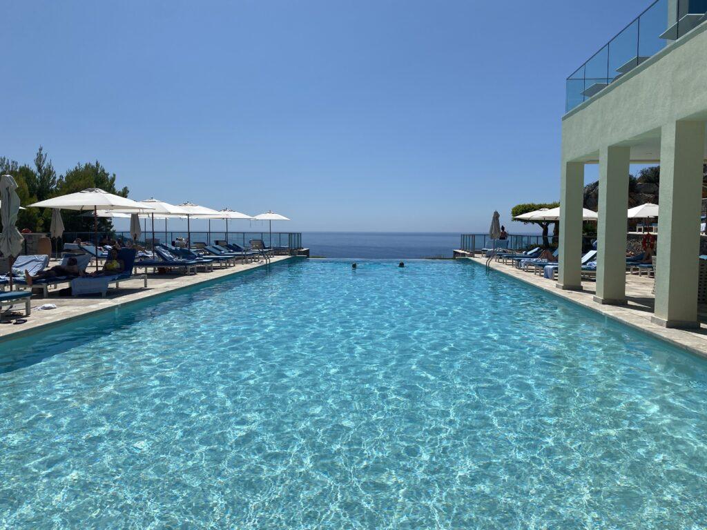 Infinity pool Jumeirah Port Soller